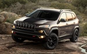 2014-jeep-cherokee-trailhawk-front-three-quarters